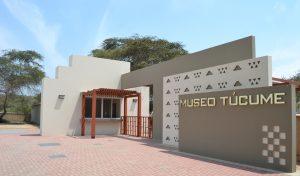 Túcume: Frontis del Museo de Sitio