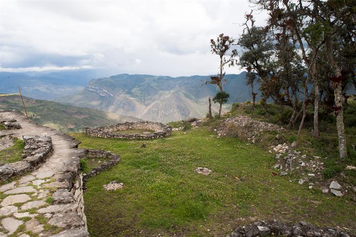 Kuélap: Sarcófagos de Karajía