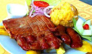 Tacacho con cecina, platos típicos de la selva