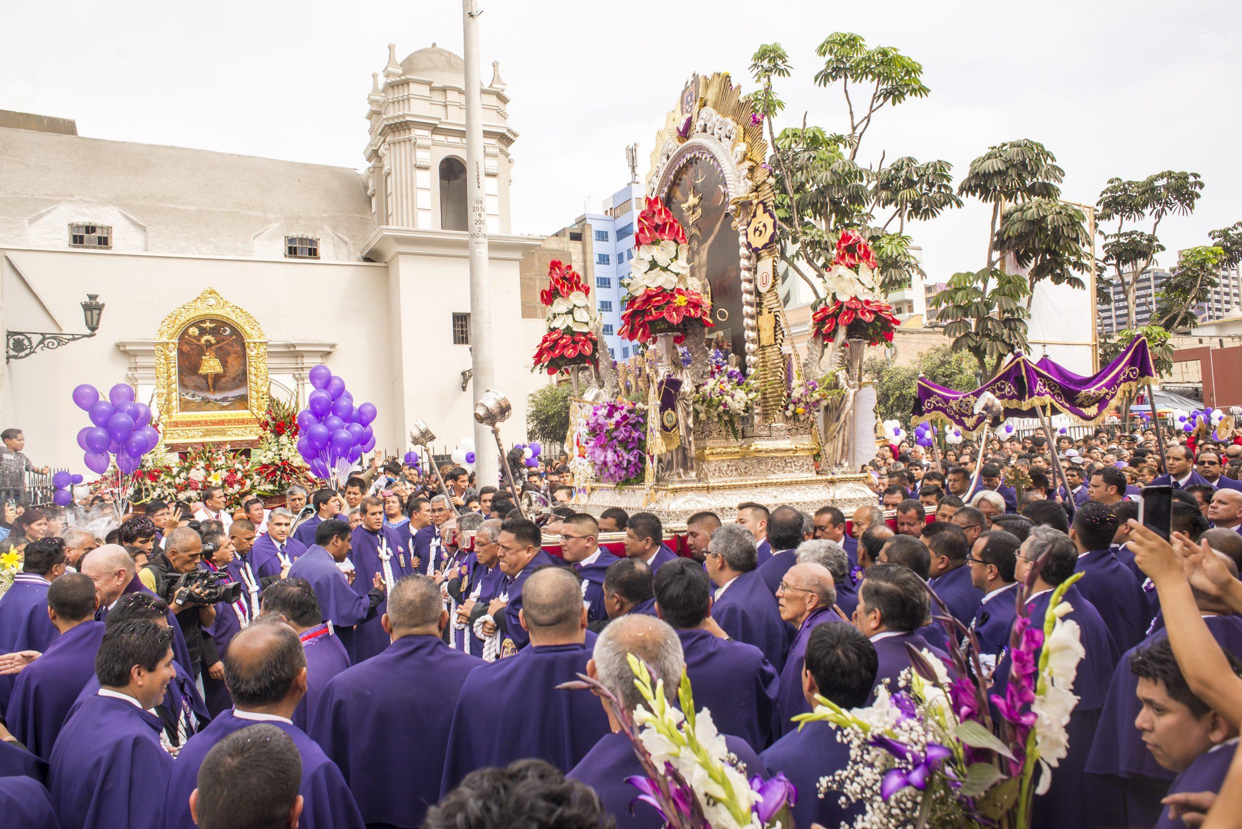 procesión señor de los milagros