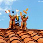Torito de Pucará en techos del pueblo