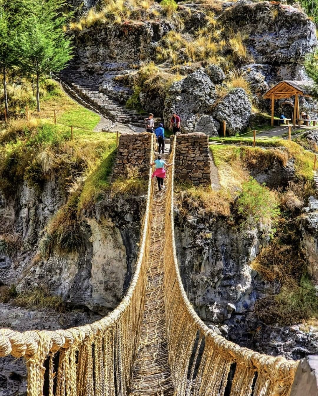 Puente Qeshuachaca. Foto: @greatescapepublishing